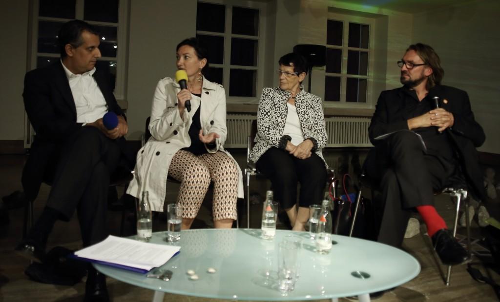 Diskussionsrunde mit Prof.Rita Süssmuth,Uscha Urbainski ,Corinna Bernshaus ,Miria Koch und OB Geisel.